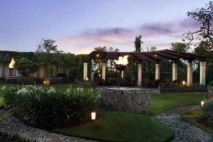 Aryaduta-Hotel-Bandung-Indonesia-Garden.jpg