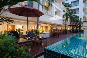 At-Ease-Saladaeng-by-Aetas-Bangkok-Thailand-Pool.jpg