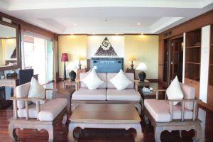Avalon-Beach-Resort-Pattaya-Thailand-Living-Room.jpg