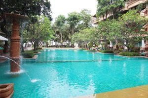 Avalon-Beach-Resort-Pattaya-Thailand-Pool.jpg