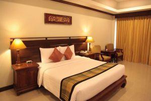 Avalon-Beach-Resort-Pattaya-Thailand-Room.jpg
