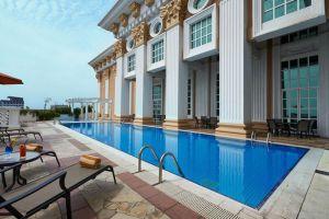 Avillion-Legacy-Hotel-Melaka-Pool.jpg