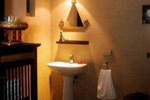Ayutthaya-Garden-River-Home-Bathroom.jpg