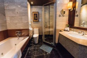 Ayutthaya-Krungsri-River-Hotel-Bathroom.jpg