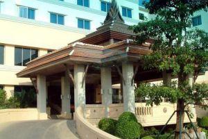Ayutthaya-Krungsri-River-Hotel-Entrance.jpg