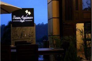 Baan-Andaman-Bed-Breakfast-Krabi-Thailand-Entrance.jpg