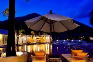 Baan-Aom-Kod-Kun-Kao-Resort-Rachaburi-Thailand-Pool.jpg