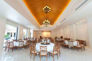 Baan-Rub-Rong-Restaurant-Bangkok-Thailand-001.jpg