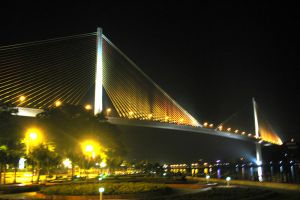 Bai-Chay-Bridge-Quang-Ninh-Vietnam-002.jpg