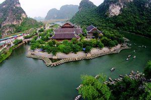 Bai-Dinh-Temple-Ninh-Binh-Vietnam-001.jpg