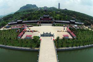 Bai-Dinh-Temple-Ninh-Binh-Vietnam-006.jpg