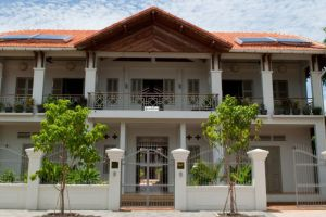Bambu-Hotel-Battambang-Cambodia-Front.jpg