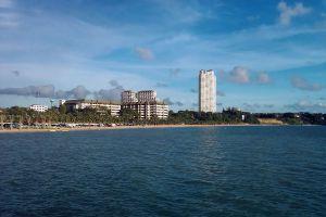 Ban-Amphur-Beach-Chonburi-Thailand-01.jpg