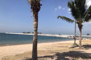 Ban-Amphur-Beach-Chonburi-Thailand-02.jpg