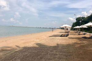 Ban-Amphur-Beach-Chonburi-Thailand-03.jpg
