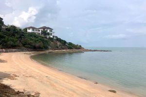 Ban-Amphur-Beach-Chonburi-Thailand-04.jpg