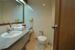 Ban-Chiang-Hotel-Udonthani-Thailand-Bathroom.jpg
