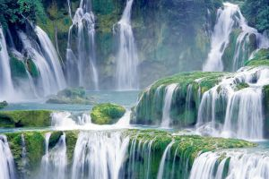 Ban-Gioc-Waterfall-Cao-Bang-Vietnam-002.jpg