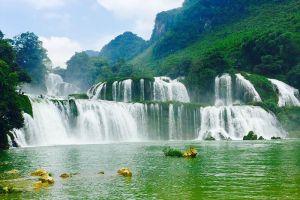 Ban-Gioc-Waterfall-Cao-Bang-Vietnam-003.jpg