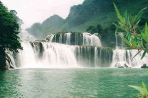 Ban-Gioc-Waterfall-Cao-Bang-Vietnam-004.jpg