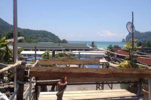 Banana-Bar-Phi-Phi-Krabi-Thailand-003.jpg