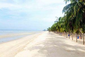 Bangsaen-Beach-Chonburi-Thailand-04.jpg