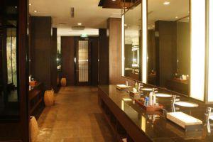 Banyan-Resort-Hua-Hin-Thailand-Restroom.jpg