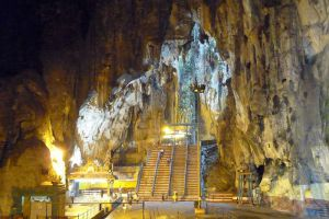 Batu-Caves-Kuala-Lumpur-Malaysia-002.jpg