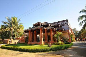 Bawga-Theiddhi-Hotel-Bagan-Mandalay-Myanmar-Exterior.jpg