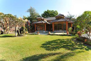 Bawga-Theiddhi-Hotel-Bagan-Mandalay-Myanmar-Garden.jpg