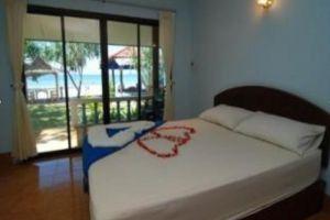 Bee-Garden-Resort-Lanta-Thailand-Room.jpg