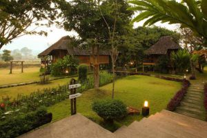 Belle-Villa-Hotel-Mae-Hong-Son-Thailand-Exterior.jpg
