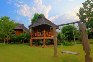Belle-Villa-Hotel-Mae-Hong-Son-Thailand-Garden.jpg
