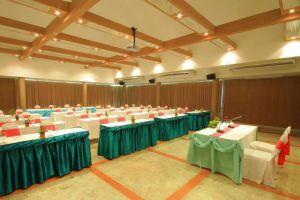 Belle-Villa-Hotel-Mae-Hong-Son-Thailand-Meeting-Room.jpg