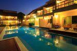 Belle-Villa-Hotel-Mae-Hong-Son-Thailand-Pool.jpg
