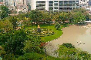 Benchasiri-Park-Bangkok-Thailand-02.jpg