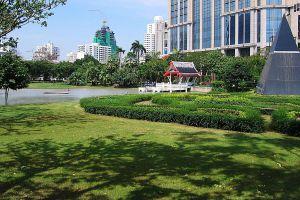 Benchasiri-Park-Bangkok-Thailand-03.jpg