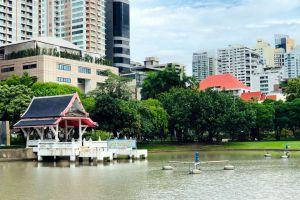 Benchasiri-Park-Bangkok-Thailand-06.jpg