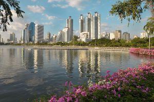 Benjakitti-Park-Bangkok-Thailand-01.jpg