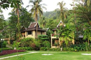 Bhumiyama-Beach-Resort-Koh-Chang-Thailand-Garden.jpg