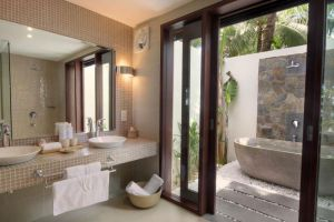 Blue-Ocean-Resort-Phan-Thiet-Vietnam-Bathroom.jpg