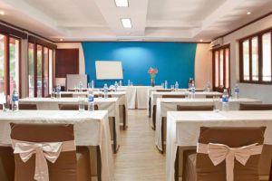 Blue-Ocean-Resort-Phan-Thiet-Vietnam-Meeting-Room.jpg