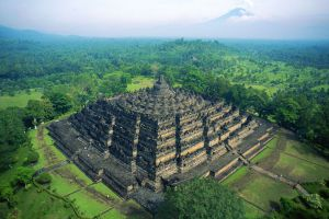 Borobudur-Central-Java-Indonesia-001.jpg