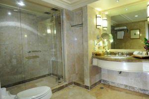 Borobudur-Hotel-Jakarta-Indonesia-Bathroom.jpg