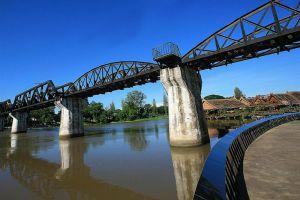 Bridge-River-Kwai-Kanchanaburi-Thailand-002.jpg
