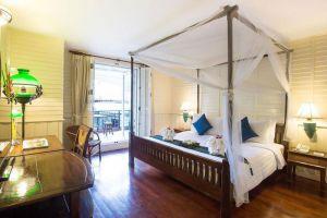 Buddy-Lodge-Hotel-Bangkok-Thailand-Room.jpg