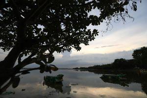 Bueng-Si-Fai-Phichit-Thailand-06.jpg