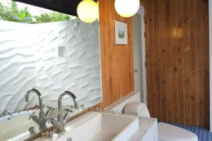 Bura-Lumpai-Resort-Mae-Hong-Son-Thailand-Bathroom.jpg