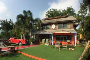 Bura-Lumpai-Resort-Mae-Hong-Son-Thailand-Coffee-Shop.jpg