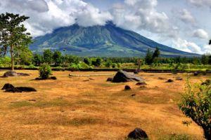 Cagsawa-Ruins-Park-Albay-Philippines-003.jpg